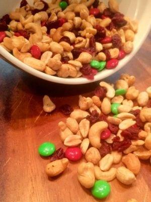 Holiday trail mix recipe