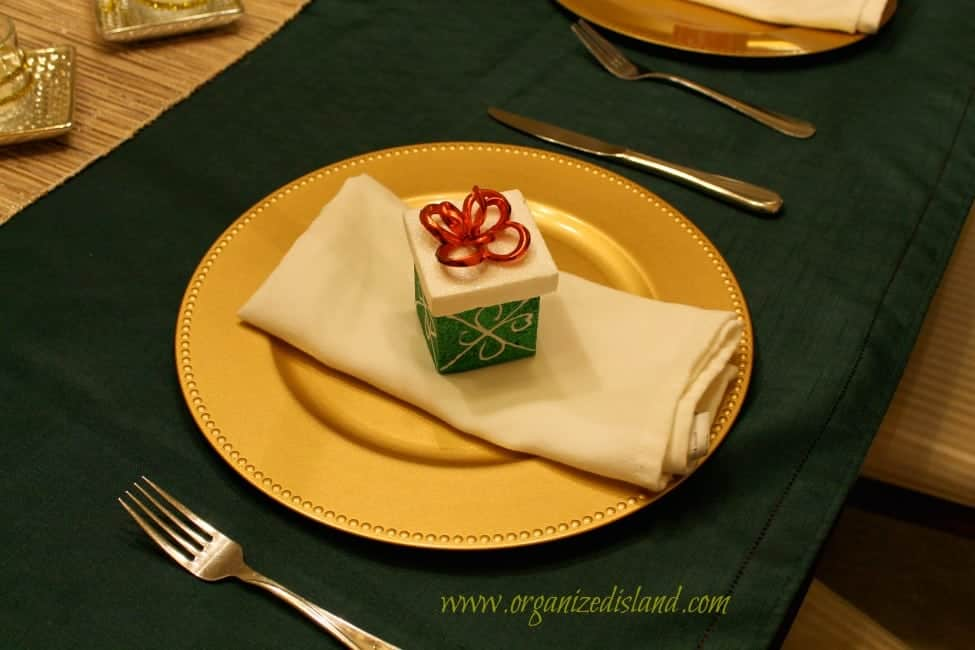 dollar-store-placesetting