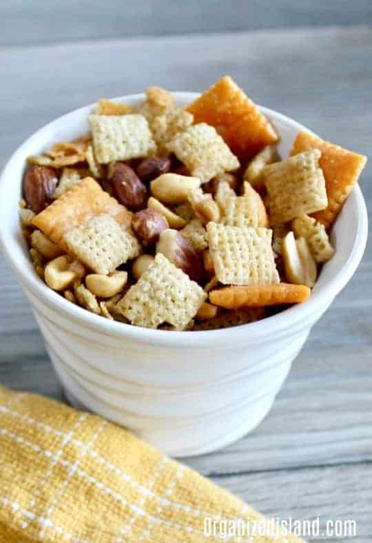 Party snack mix recipe