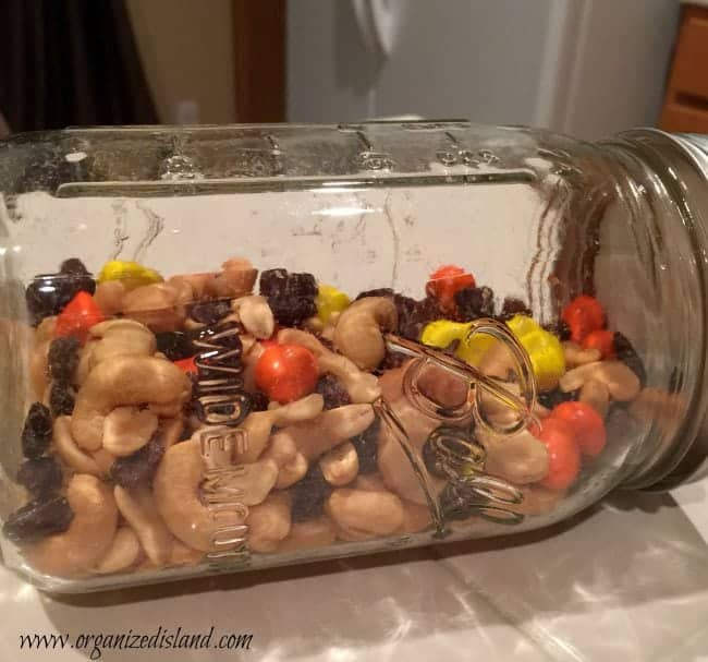 make-your-own-trail-mix
