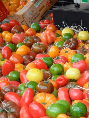 Farmers market vegetables - farmers market shopping tips.