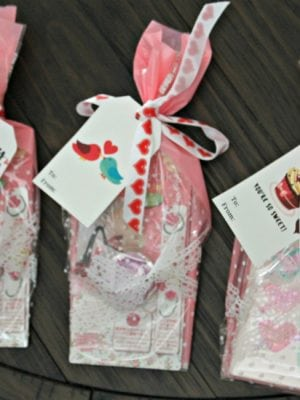 Velentine's gift bag ideas - free tags printable