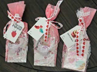 Velentine's gift bag ideas - free tags printable
