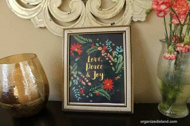Free decorative Christmas Printable - love peace and joy