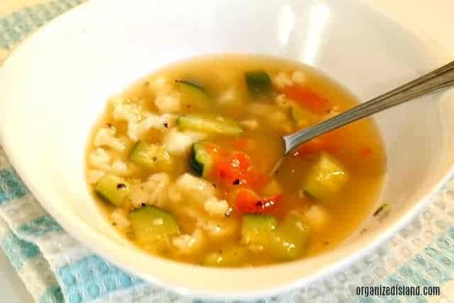 vegetable-soup-in-bowl