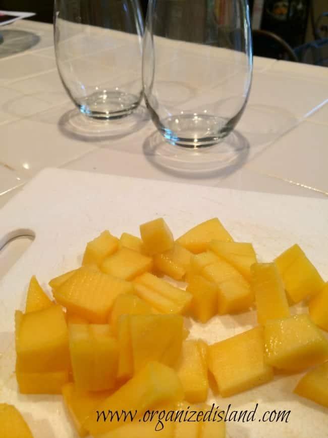 mango-breakfast-parfaits