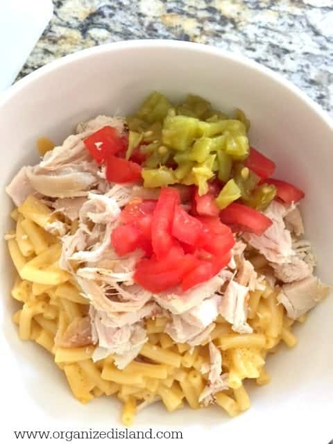 Macaroni and Cheese recipe for a tasty and inexpensive dinner idea!