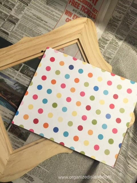 This fun DIY photo frame project is so easy and cute!