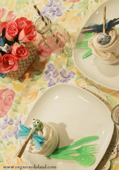 This easy spring decor idea is a fun craft to make!